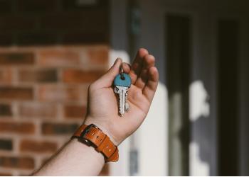 Huizenprijs lijkt te dalen, goed moment voor verkoop